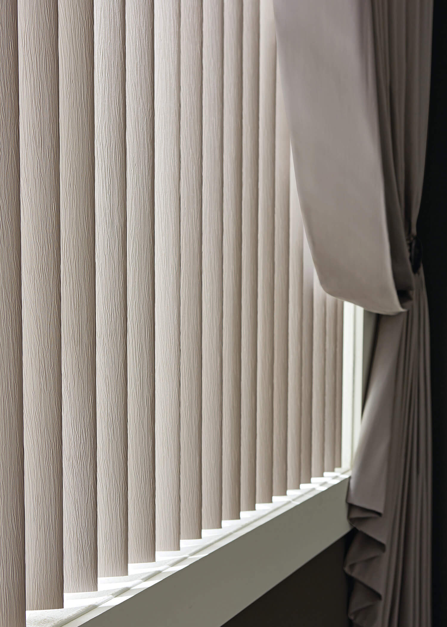 Horizontal Amp Vertical Blinds Wooden Faux Shutters